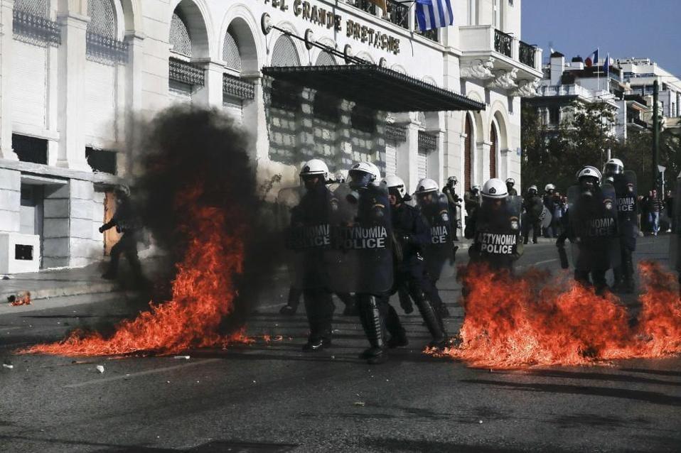 molotov_syntagma_web-thumb-large